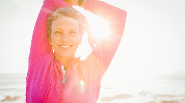 Regelmäßige Bewegung hilft Verspannungen zu vermeiden und hält Muskeln geschmeidig